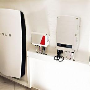 Tesla PowerWall wird jetzt in Deutschland ausgeliefert!